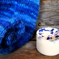 Soy wax candle with blue cornflower