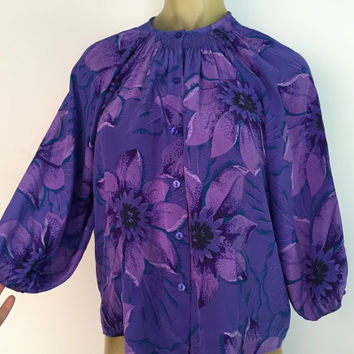 Purple Silk Blouse, Spring Floral Draped Top. California Vintage Boho Blouse. Cropped sleeves, Button down office attire 70s retro petite