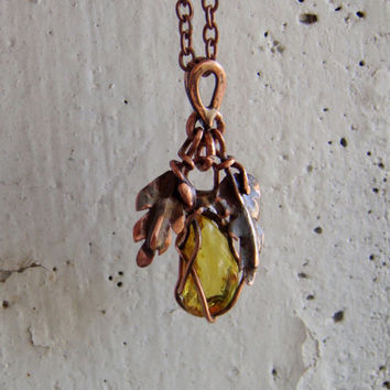 Natural amber pendant, 天然琥珀 , Unique gift, amber pendant, cooper pendant, amber jewelry, beautiful pendant, bohostyle, gift for sister.