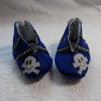 FELT BABY BOOTIES Baby Clothing Shoes Slippers Boys Blue Skeleton Cute Gifts