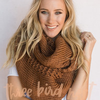 Oversized Chunky Knitted Infinity Scarf In Camel Brown