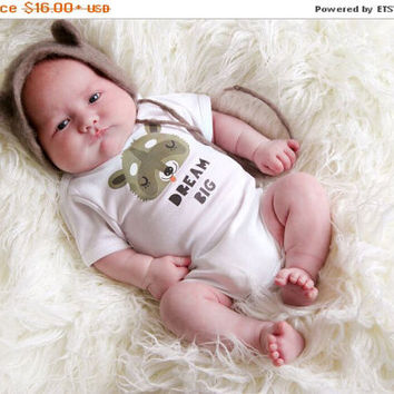 ON SALE Dream Big Baby Bodysuit. Baby Shower Gift. Gender Neutral Short/Long Sleeve Baby Shirt. Quote Baby Clothes. Baby Bear Romper.