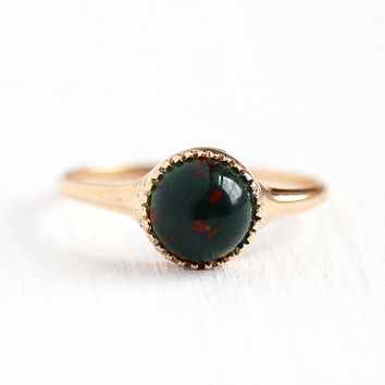 Antique Bloodstone Ring - 10k Rosy Yellow Gold 1.24 CT Gemstone Fine Jewelry - Vintage Edwardian 1910s Dainty Size 6 Green & Red Cabochon