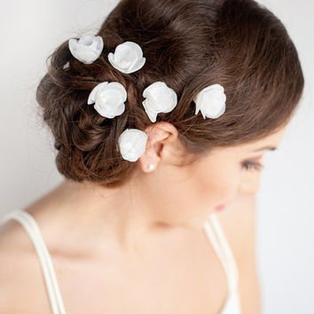 Small Flower Hair Pins with Swarowski Inside - Bridal Hair Piece - Set of 6 Flower hair Pins - White - Ivory