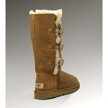 UGG: three button snow boots