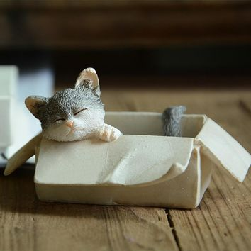 Cute Resin Figurine Mini Crafts Cat Figurine Micro-landscape for Home Decoration Animal Statue Collection Gift Toy
