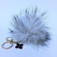 Fur Pom Pom keychain luxury bag charm pendant clover flower keychain keyring in crisp white with natural tips