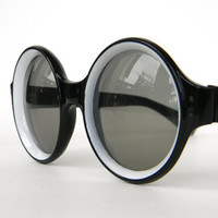 Round Lens Black Vintage Sunglasses 1960s made in Italy