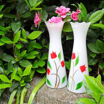 Vintage Glass Flower Vases Matched Set Hand Painted Red Tulips on White Frosted Glass Bartlett Collins Made in USA Shabby Decor