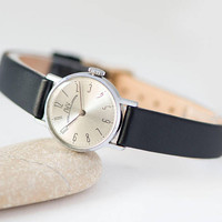 Minimalist women's watch small, vintage women's wristwatch Luch Ray, silver face watch round, classic watch gift, new premium leather strap