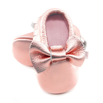 2016 New Shine Pink Genuine Leather Baby moccasins bow First Walkers Soft Rose gold Baby girl shoes infant Fringe boys Shoes