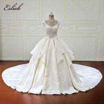 Amazing Ball Gown Wedding Dress Chapel Tail Lace Up Back Satin Lace Appliques Bridal Gown Vestido de Novia Backless Wedding Gown