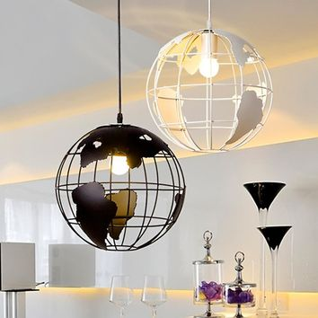 Modern Globe Pendant Lights Black/White Color Pendant Lamp Hollow Ball Ceiling Fixtures