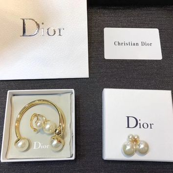 """DIOR"" New Pearl Jewelry Trio"