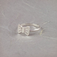 Silver Bow Ring Cute and gorgeous Sterling