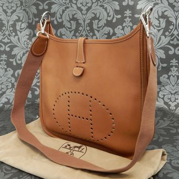 Rise-on HERMES Evelyne PM Brown Evercalf Leather Shoulder Bag #132