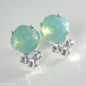 Aqua mint earring, Bridesmaid earrings, Seafoam earring, Mint green opal crystal earring, Swarovski crystal square earring, Mint wedding
