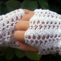 Romantic Princess Gloves - White Fingerless, Crochet Wedding Accessory, Wrist Warmers, Hand Warmers