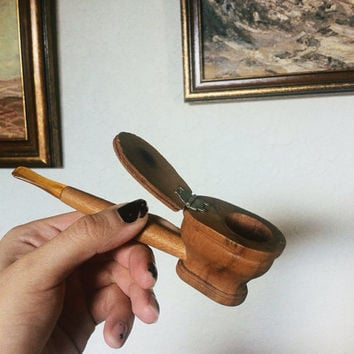 1950s toilet bowl tobacco pipe   novelty art deco pipe