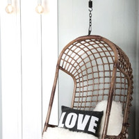 Hanging Chair Dark Rattan