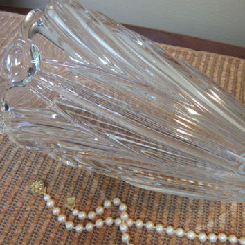 Heavy Glass Crystal Vase with Rosette Flowers. Scalloped Vase, Vintage