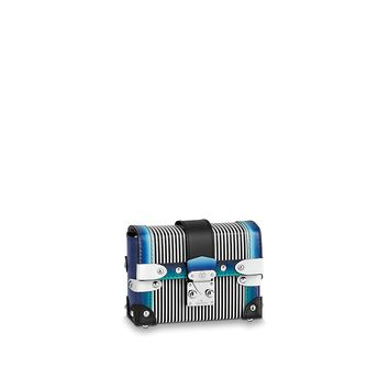 Products by Louis Vuitton: ESSENTIAL TRUNK