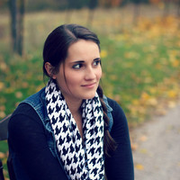 Handmade Houndstooth Infinity Scarf in Gray and Black