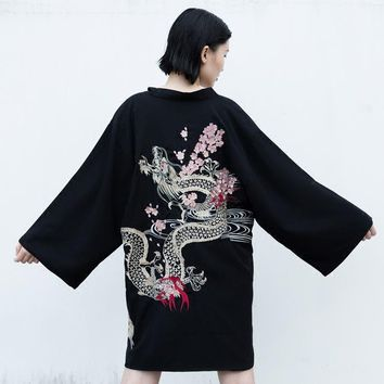 2018 summer Japan kimono vintage novelty summer Harajuku cherry dragon embroidery chiffon sun protection cardigan women clothing
