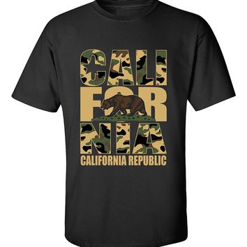 California Camoflag  California Republic Camoflag Cali Bear West Coast T-Shirt
