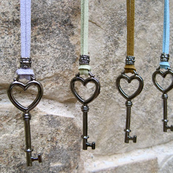 Key Necklace Skeleton Heart Leather Necklace Key To Your Heart Necklace Open My Heart Medallion Cute Women Teen Gift EIGHT COLORS OFFERED