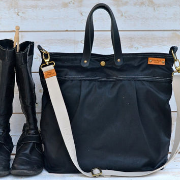 BLACK WAXED CANVAS Messenger bag / Tote / Diaper bag / Leather straps / Unisex / Men messenger / Travel bag / Women purse