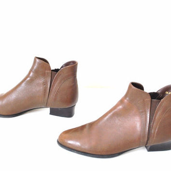 size 7 chelsea boots brown leather 90s pixie booties