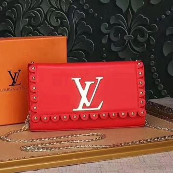 LV Louis Vuitton LEATHER CHAIN SHOULDER BAG