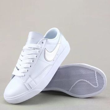 Wmns Nike Blazer Low Le Fashion Casual Low-Top Old Skool Shoes-2