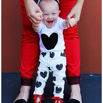 Organic Baby Leggings Hearts Black White