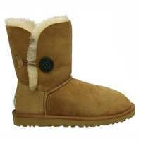 UGG Women's UGG BOOT W BAILEY BUTTON 8 (CHESTNUT)