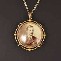 Edwardian 15K Gold Double Glass Locket Necklace