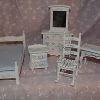 Doll House Bedroom 6 Piece Lavender Floral Painted Wood Set MIB New