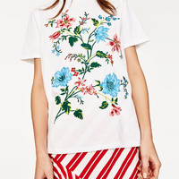 FLORAL EMBROIDERY T-SHIRT DETAILS