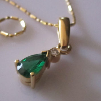 Vintage Genuine Green Emerald & Diamond Pendant Necklace 14K 18K Yellow Gold Pear Shape Beaded Necklace
