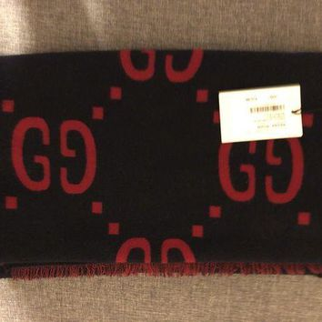 ONETOW Gucci GG scarf