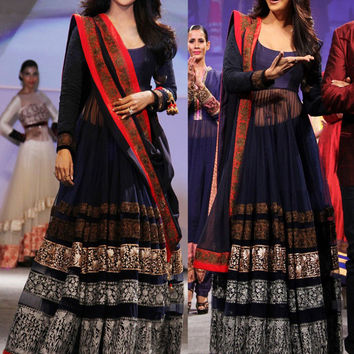 Shilpa Shetty in navy blue floor length anarkali suit