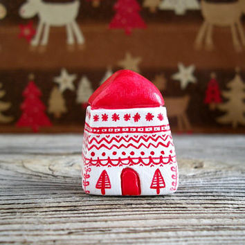 Scandinavian Christmas decor, Nordic Christmas, miniature house, little clay house, minimal Christmas, small clay house, scandinavian xmas