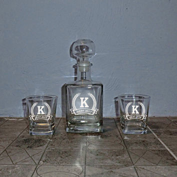Personalized Set Whiskey Decanter Groomsmen Gift Wedding Gift Whiskey Glasses Decanter Mens gift Father day Boyfriend Best Man Gift