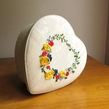 Vintage Heart Shaped Silk Treasure Box, Heart Embroidered Keepsake Box, Ivory Trinket Storage, Cream