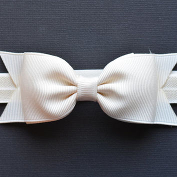 Ivory Bow Headband. Ivory Baby Headband. Ivory Baby Bow Headband. Baby Hair Accessories. Girls Hair Accessories. Christening. Baptism. Ivory