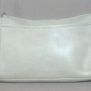 ONETOW RARE Vintage COACH Creme White Aged Leather Crossbody Purse Bag From '70's