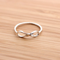 twisted INFINITY ring, in sterling silver | girlsluv.it