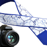The chemical camera strap. Chemical symbols. Royal blue. White. Personalized gifts. Embroidered initials. Gifts for everyone by InTePro