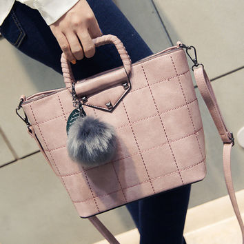 Women fashion handbags on sale = 4473192708